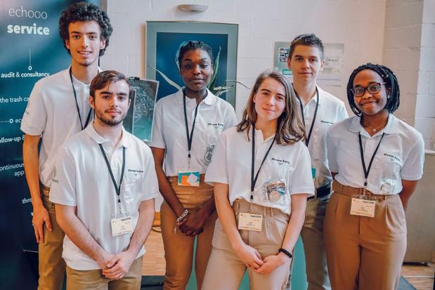 Des élèves bruxellois remportent deux prix au concours des mini-entreprises