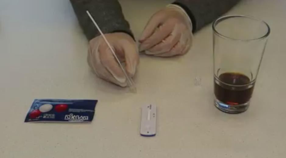 Factcheck: positieve coronatest op cola bewijst niet dat test onbetrouwbaar is