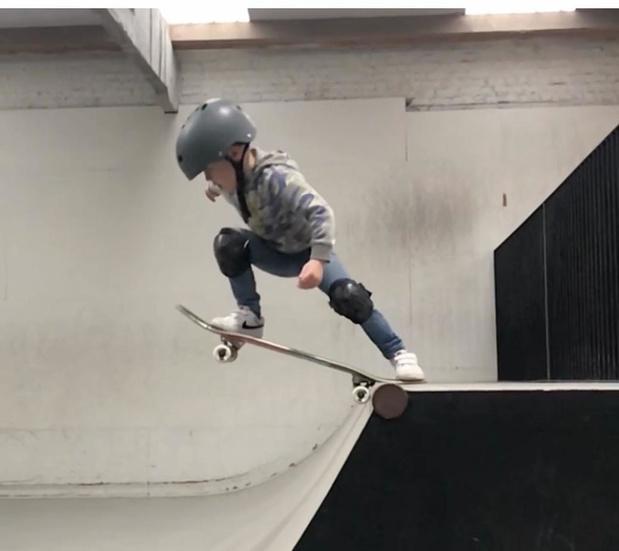Piepjonge skaterboy Jules Dupont (4) is een talent