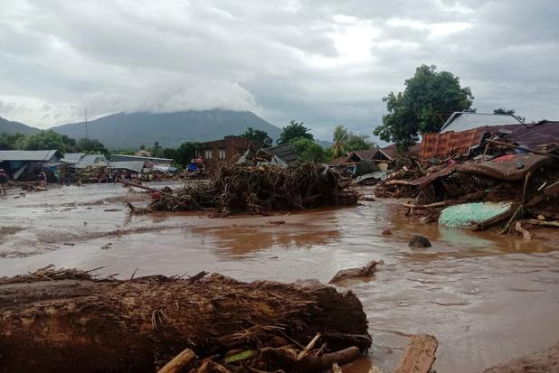 Dodentol van overstromingen in Indonesië en Oost-Timor loopt op