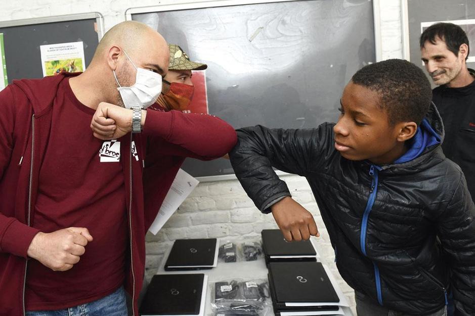 Crisis legt gevaren van Smartschool bloot: 'Het maakt het voor kansarme jongeren extra moeilijk'