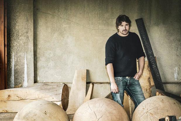 """Kaspar Hamacher, designer et artiste: """"Notre société du gaspillage et de production de masse n'a rien de logique"""""""