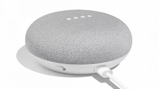 Oplichters kunnen je afluisteren met Alexa en Google Home