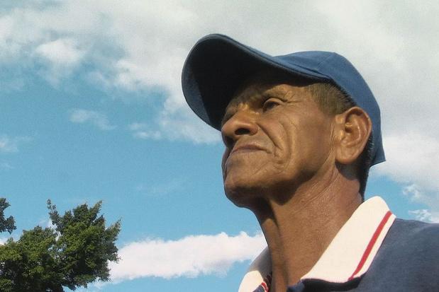 Tv-tip: 'De blinde voetbaltrainer' houdt Colombiaanse kinderen op het rechte pad
