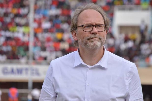 'Wij promoten onze eigen voetbalcoaches niet'