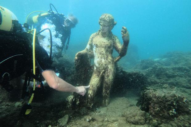 En images: Exploration sous-marine dans les riches villas antiques près de Naples