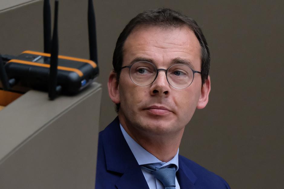 Moet Wouter Beke opstappen? PVDA roept het luidst, rest oppositie sluit niets uit