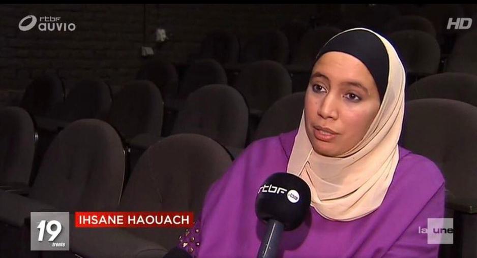 Factcheck: nee, Ihsane Haouach organiseerde geen 'toneel waar man en vrouw gescheiden zitten'