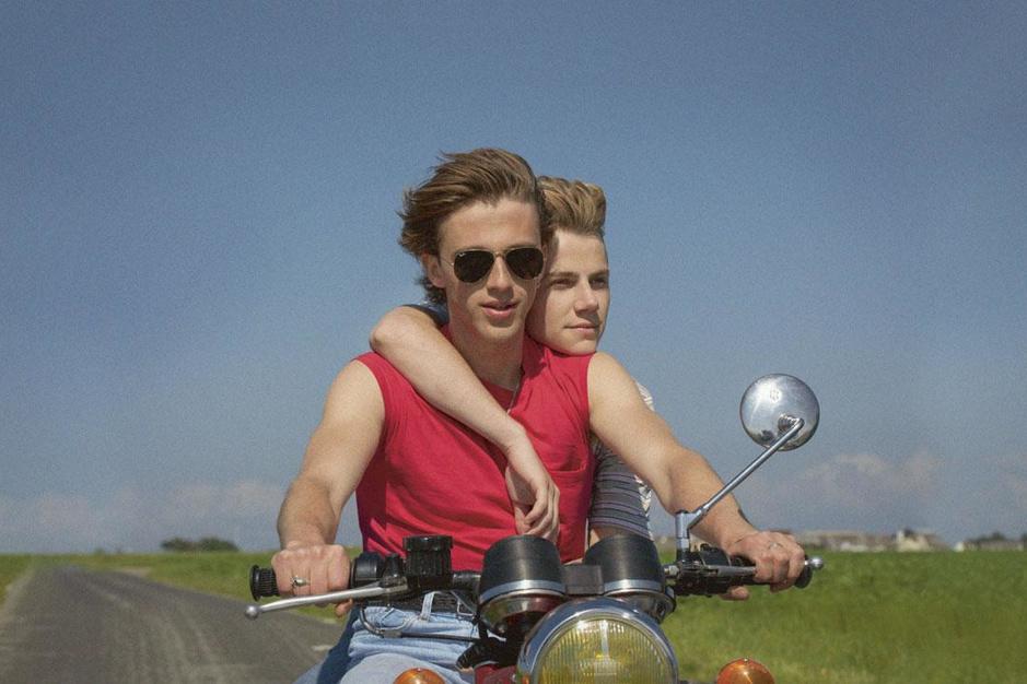 'Eté 85': de film die zich een zomer later afspeelt om Robert Smith te paaien