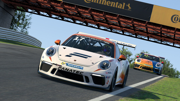 Virtueel racen in Porsche Esports Supercup 2020