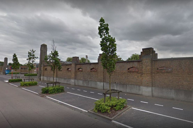 Kerkhofmuur Stuiverstraat Oostende wordt gerestaureerd
