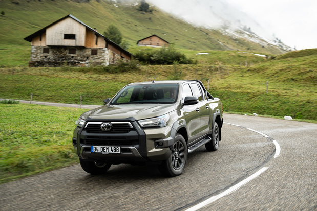 Opgefriste Toyota Hilux krijgt krachtigere motor