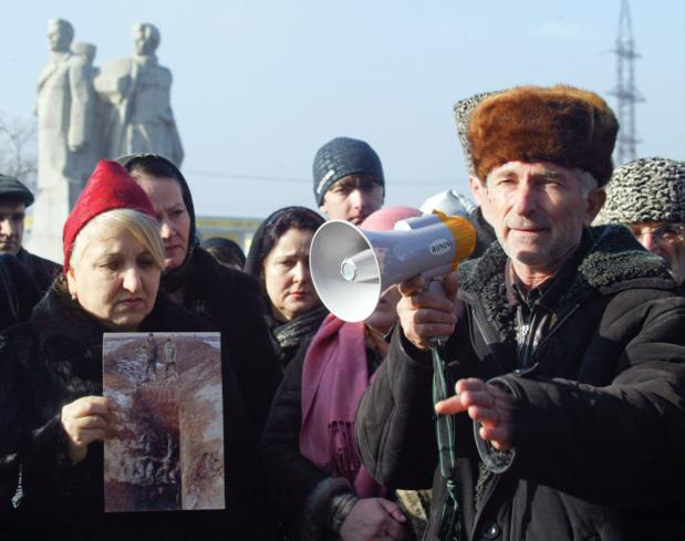 Factcheck: Nee, dit is niet de begrafenis van de Tsjetsjeense moordenaar van Samuel Paty
