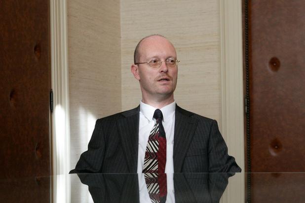 Procureur Johan Sabbe krijgt zes maanden schorsing na ongepaste berichten