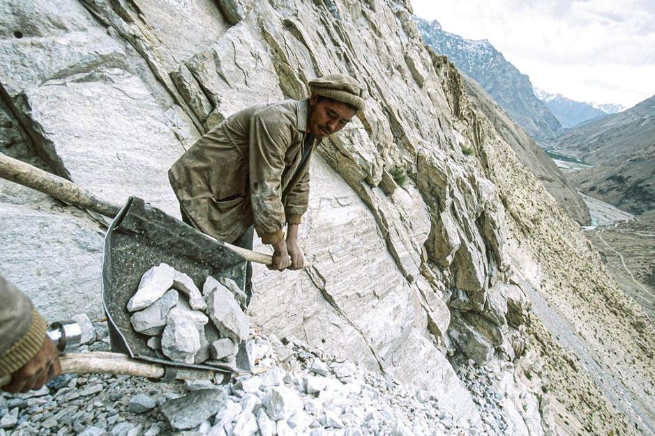 De taliban controleren nu de grootste voorraad van lithium: het witte goud van Afghanistan
