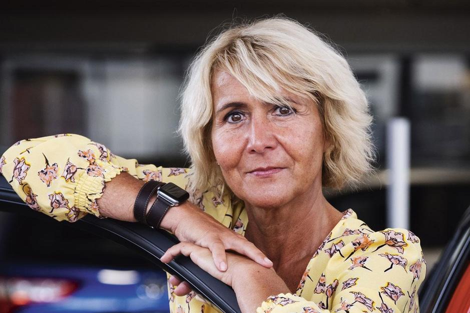 Autodealers krijgen dreun door coronacrisis: 'Zet de concessionaris het mes niet op de keel'