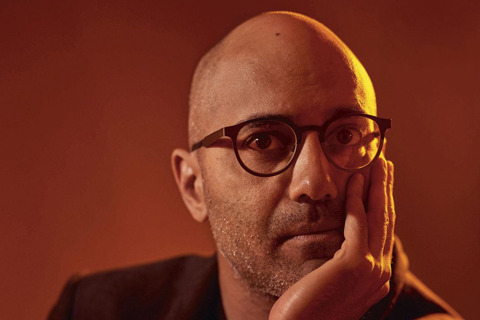 Auteur Ayad Akhtar: 'Amerikanen leven in een corporate totalitair regime'