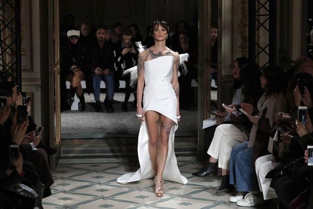 Paris annule la Fashion week homme et la haute couture, Milan reporte