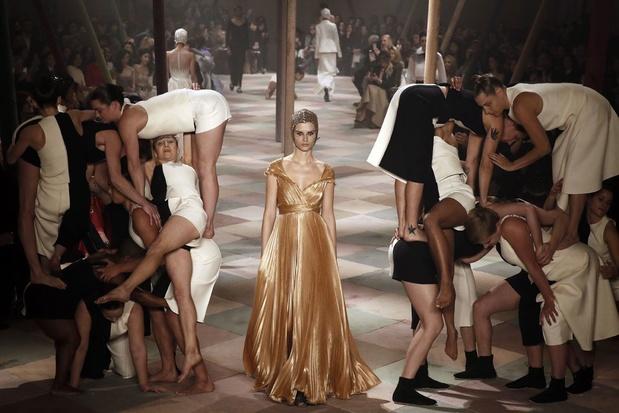 La haute couture défile à Paris début juilllet... virtuellement