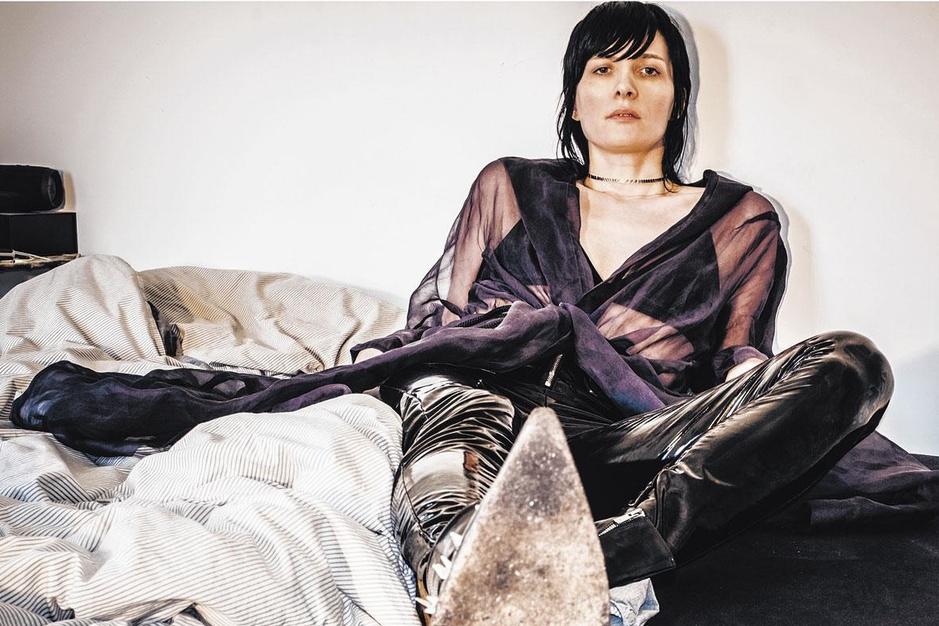 Topmodel en zangeres Kim Peers: 'Ik heb lang met een laag zelfbeeld geworsteld'