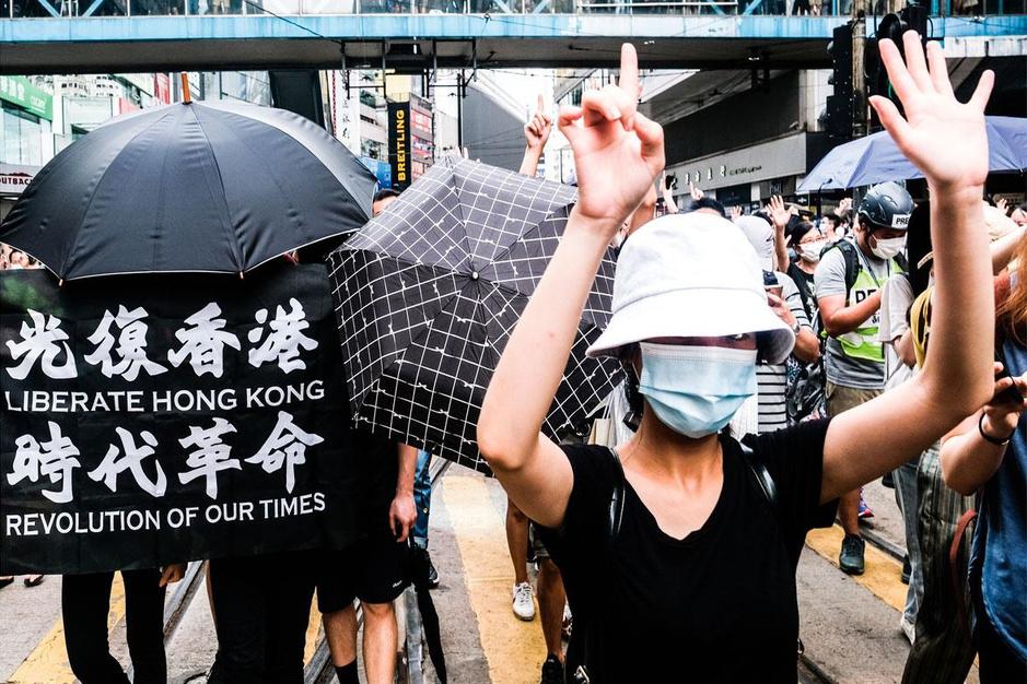 Nieuwe Chinese wet doet Hongkong op grondvesten daveren: 'Doe wat we zeggen en het komt goed'
