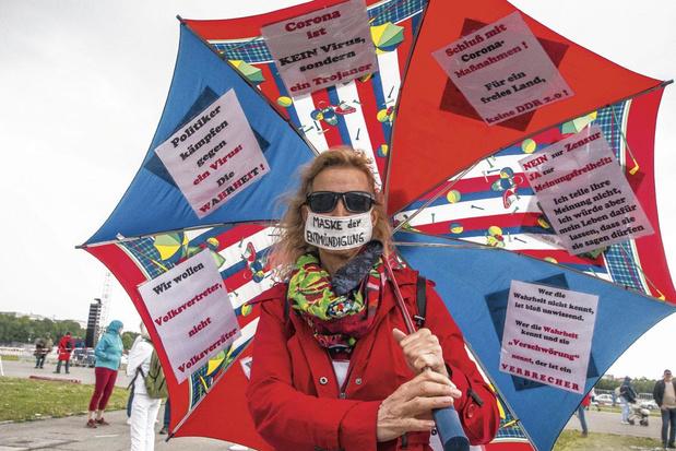 Antivaxxers en extreemrechts vormen front in Duitsland
