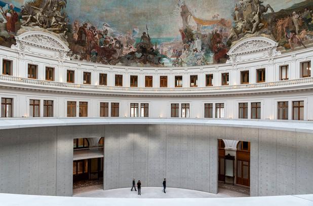 En images: La Bourse du Commerce, nouveau lieu parisien dédié à l'art contemporain