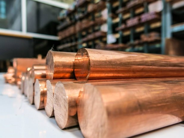 Le cuivre dépasse 10.000 dollars la tonne, une première en dix ans