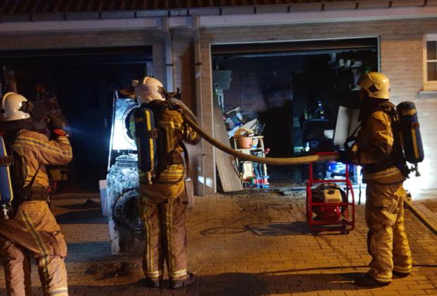 Garagebrand in Rumbeke snel onder controle