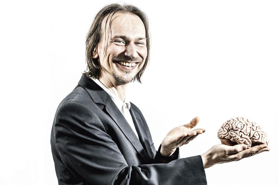 Psycholoog Hein Zegers: 'Geld maakt inderdaad gelukkig. Als je het aan anderen uitgeeft.'