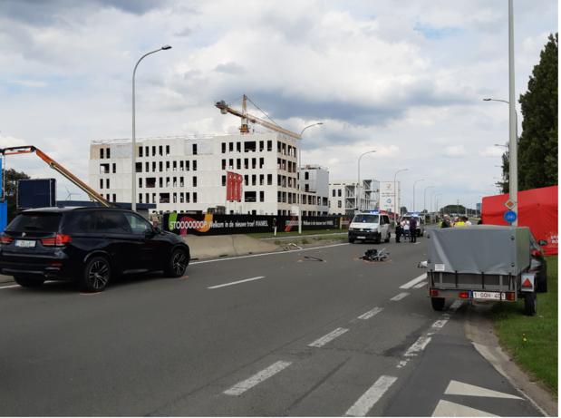 65-jarige fietser uit Roeselare overleden na aanrijding op Rijksweg in Rumbeke