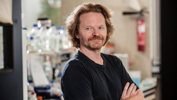Le neurologue Pr Pierre Vanderhaeghen reçoit le prix Generet