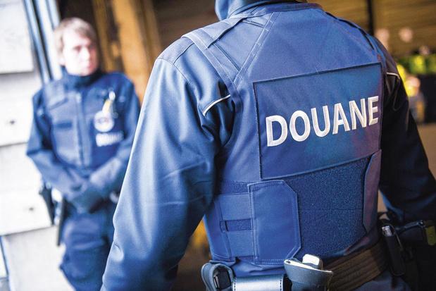 Extreemrechtse douaniers mogen geen wapens dragen