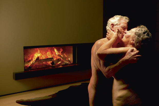 Eindelijk ontrafeld: het mysterie achter de reclame met de naakte bejaarden