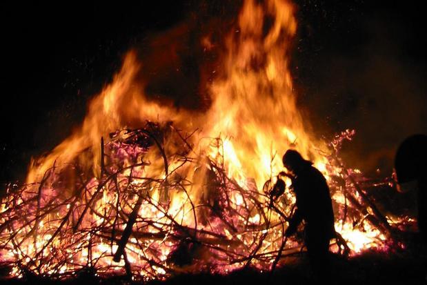 Minister Somers wil dat alle gouverneurs vuurwerk en kerstboomverbrandingen verbieden