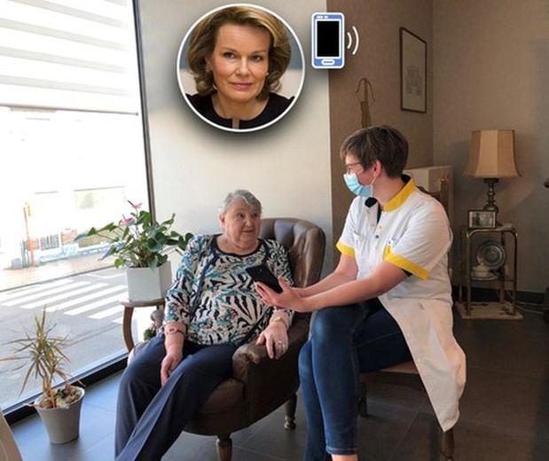 Koninklijk telefoontje voor patiënte Camilla en thuisverpleegster Celien
