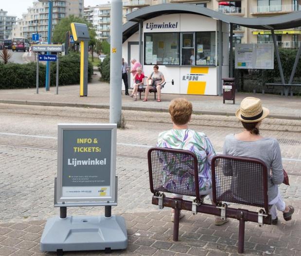 """De Lijn pareert kritiek van gemeentebestuur: """"Lijnwinkels in Bredene niet rendabel"""""""