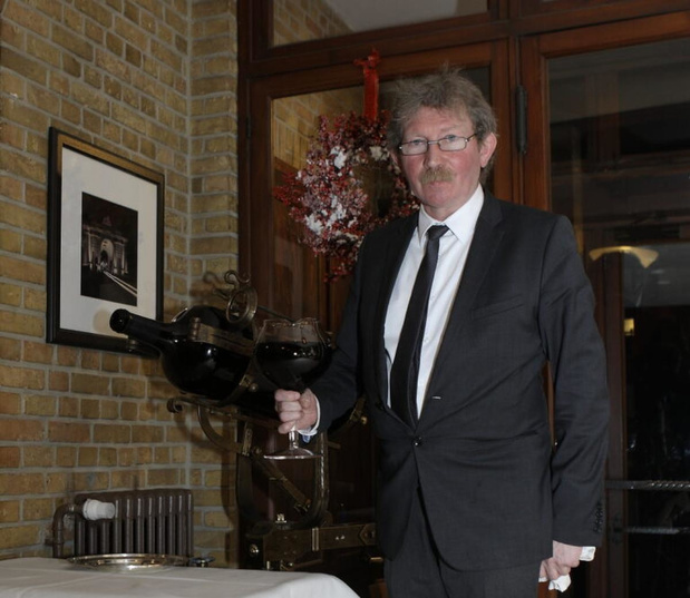 Maître van Hostellerie Kemmelberg Jean-Pierre Scharre (63) onverwacht overleden