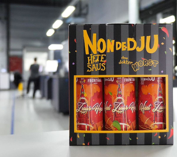 """Vila Etiketten gebruikt HP SmartStream Collage voor unieke labels voor """"Nondedju Hete Saus"""""""