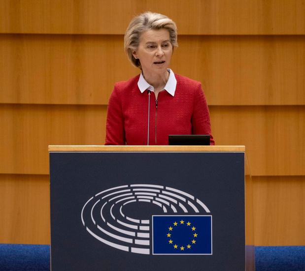 """L'UE a passé le cap des 150 millions de vaccinations, """"plus que"""" 266 millions à vacciner"""