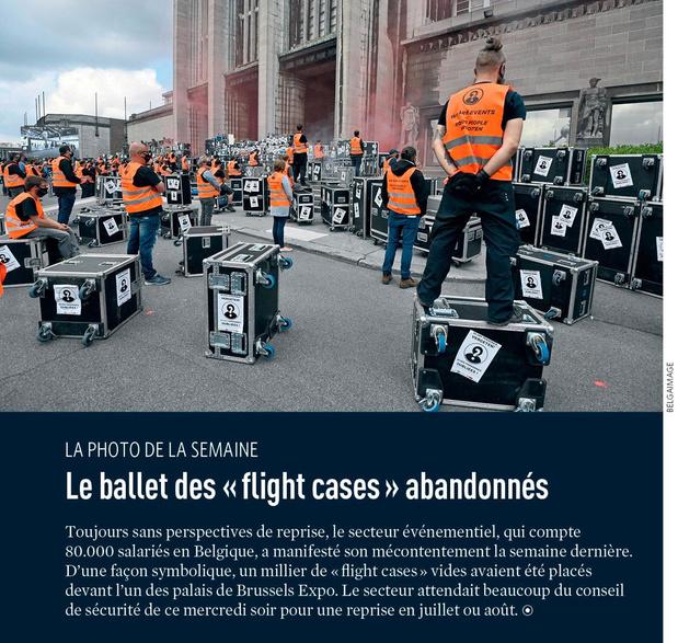 """Le ballet des """" flight cases """" abandonnés"""
