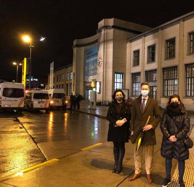 Opvallend: fractieleider van Vlaams Belang zakt wel af naar Kortrijks station