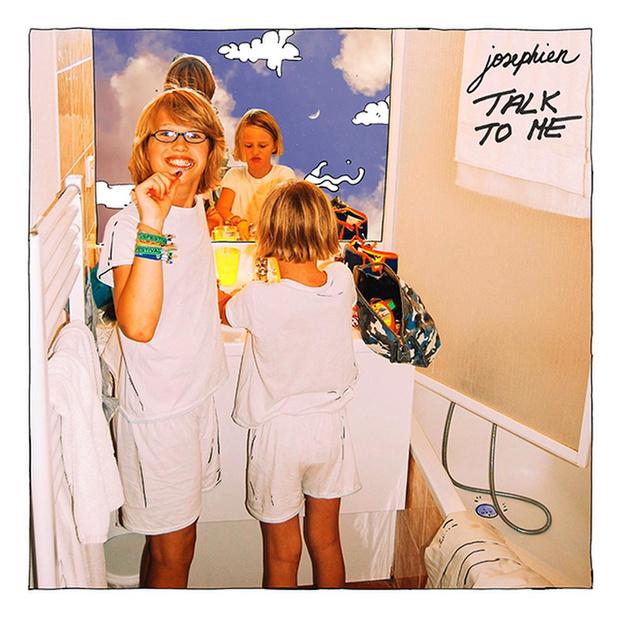 Josephien stelt nieuwe single 'Talk To Me' voor