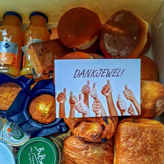 Stadsbestuur verrast personeel met onbijtpakket