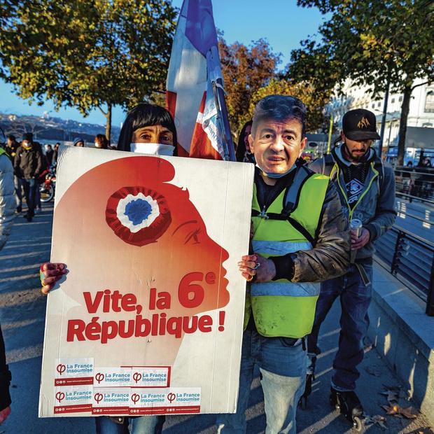 """""""Jamais Marine Le Pen n'a été aussi dédiabolisée"""""""