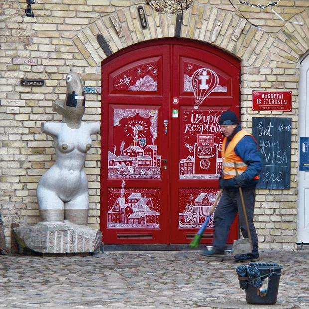 Užupis, la bohème gentrifiée: l'âme insouciante d'un quartier de Vilnius