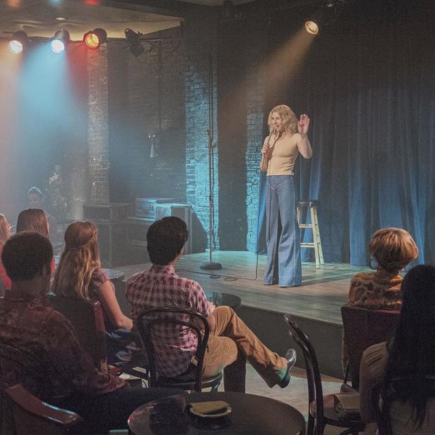 Stand-up et séries télé: retour sur une longue histoire d'amour, de Seinfeld à Hacks