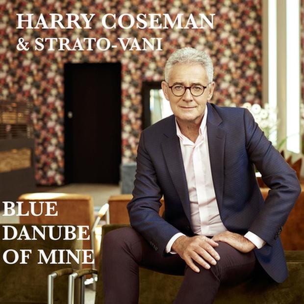 Harry Coseman zingt 'Blue Danube of Mine', de hit van Strauss