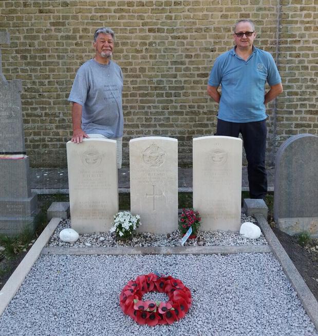 Sobere herdenking voor bemanning van gecrashte bommenwerper