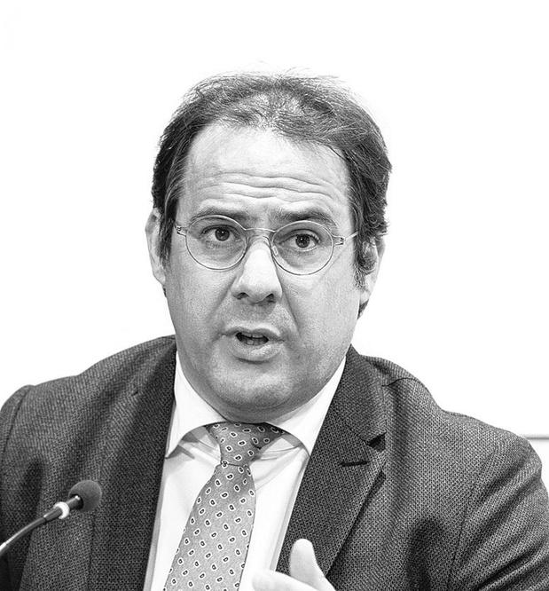 Minister van Zelfstandigen David Clarinval (MR) in de commissie voor sociale Zaken, werk en pensioenen van De Kamer